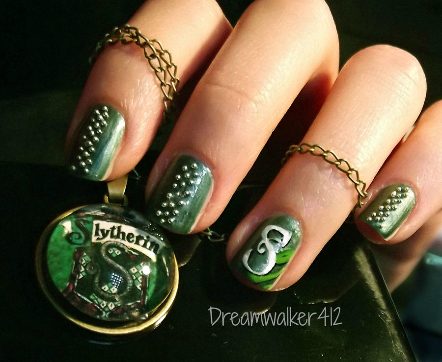 23. Gotta be Green, gotta be Mean by DreamWalker412