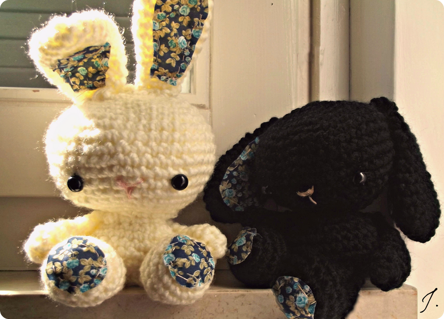 Little Amigurumi Bunnies by DreamWalker412