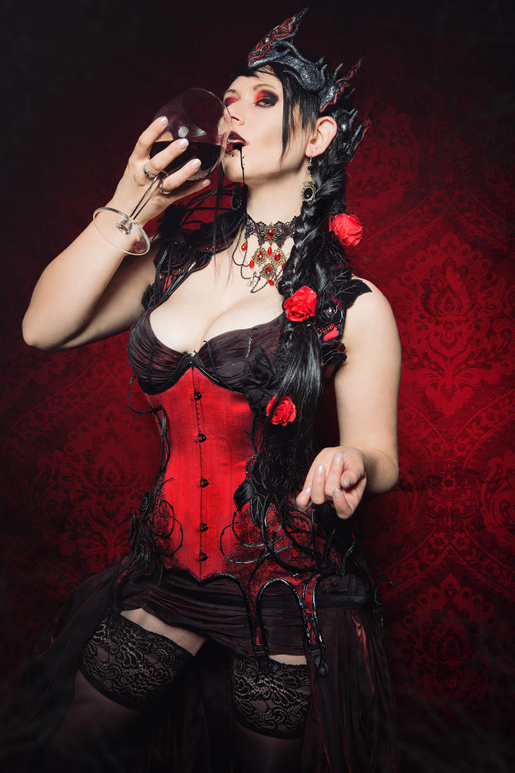 Dark Countess by Philaeria