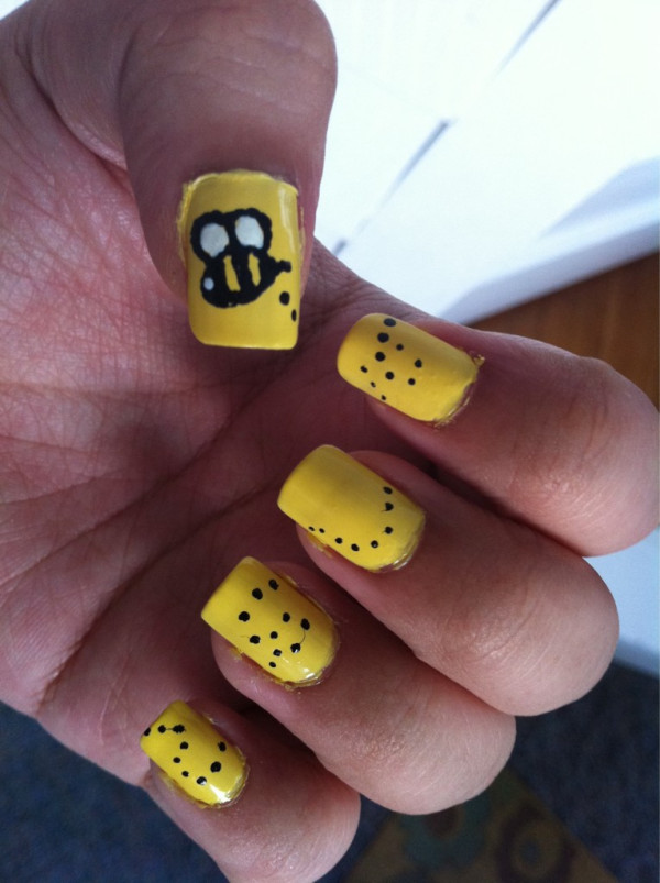 Bumblebee nails by crazybookworm on deviantart bumblebee nails by crazybookworm prinsesfo Image collections