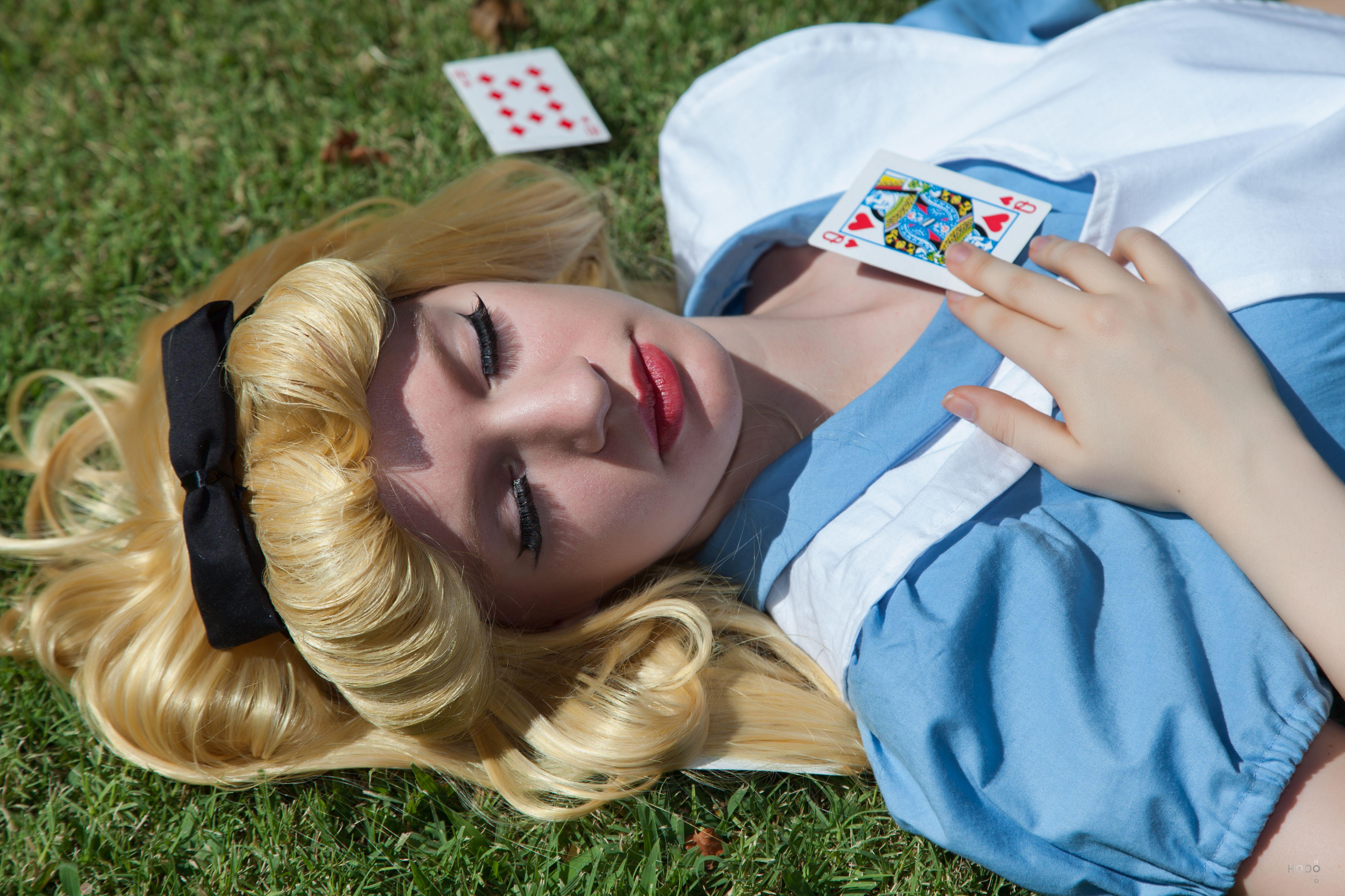 Alice in Wonderland 10 by AliceInTheTARDIS