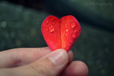 Crying Heart by Crayolajustgotbetter