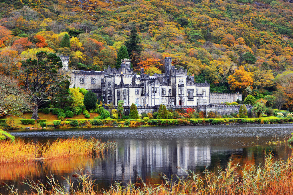 Kylemore Abbey, Ireland by LinkyQ