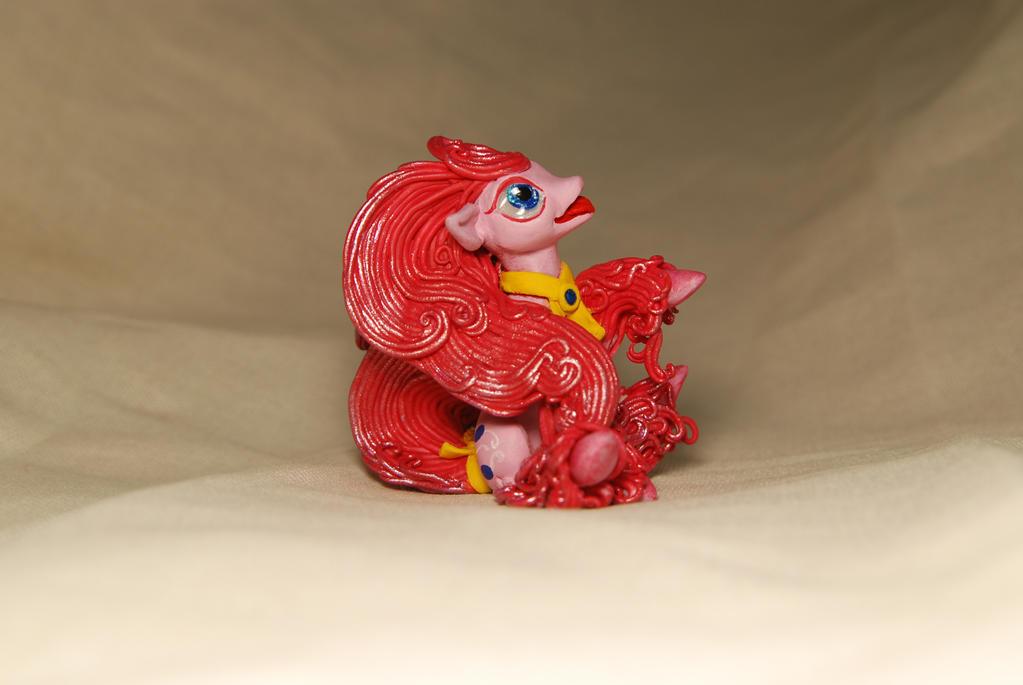 Pinkie Pie by Strepetarh