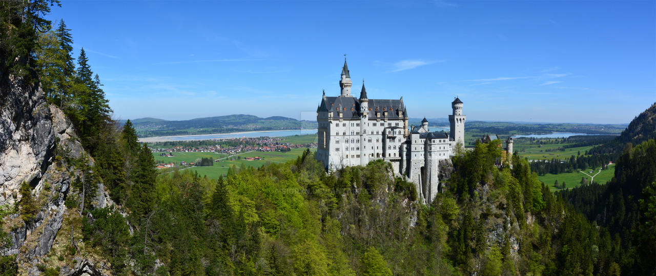 Neuschwanstein Castle by Sigryn
