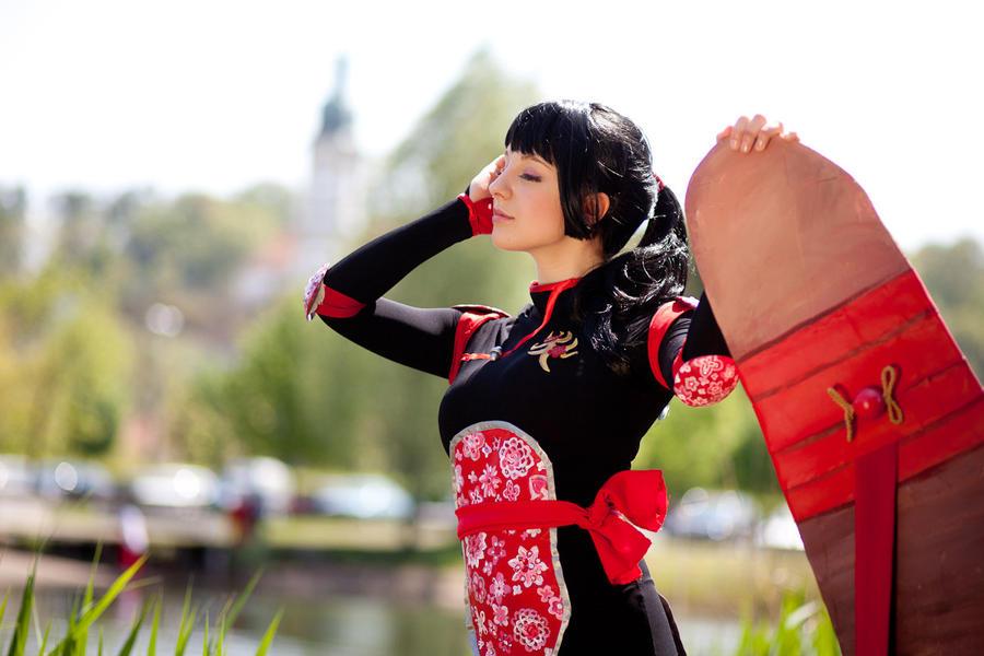 InuYasha: Sango and Hiraikotsu by neni-chan