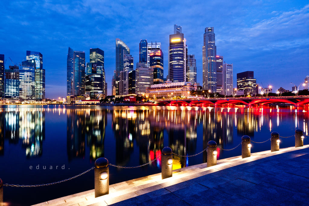 Singapore's Dawn II by eduardj