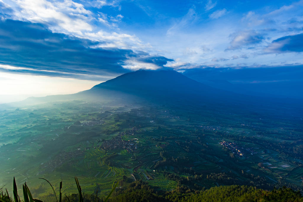 Mt. Merbabu by eduardj