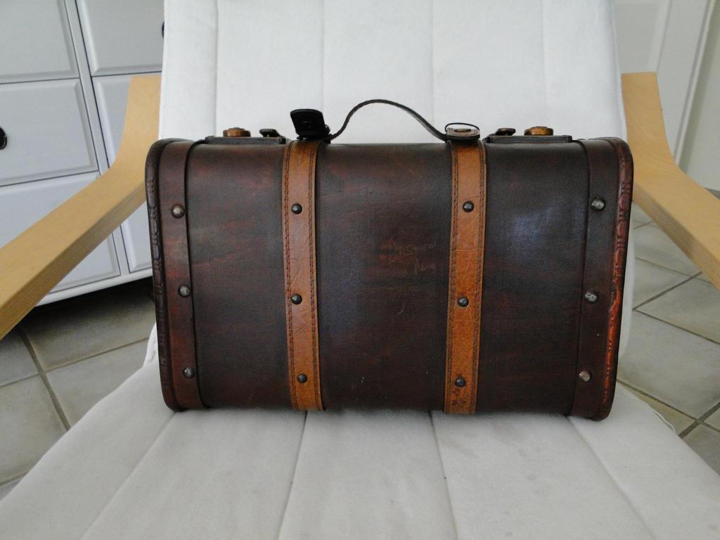 Suitcase 01