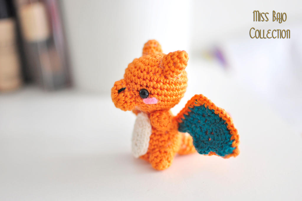 Charizard by MissBajoCollection