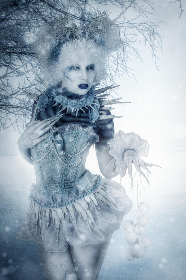 Snow Queen by Art-Kombinat
