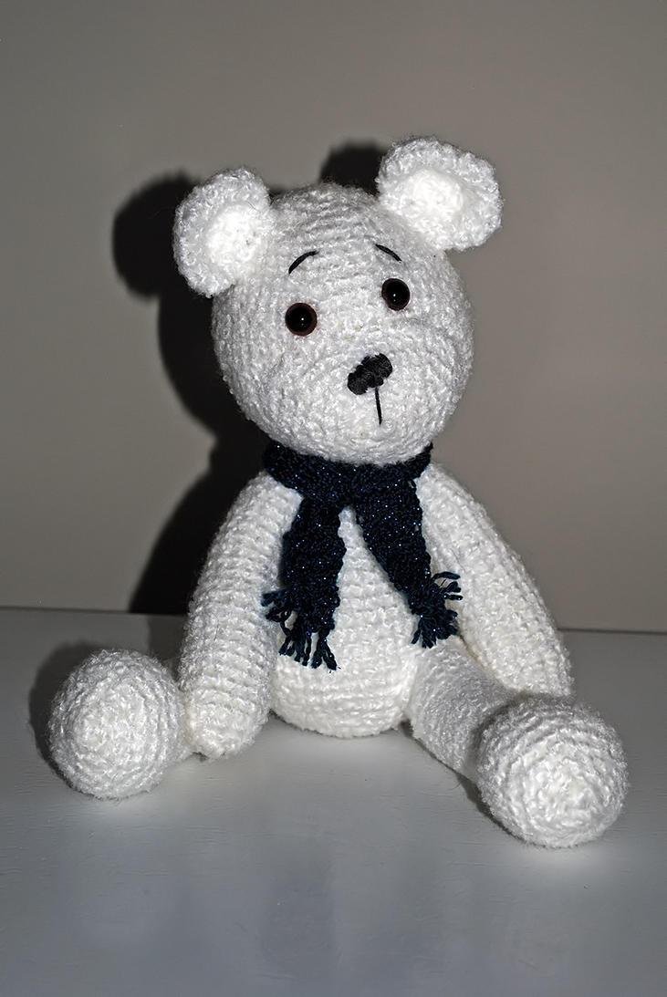 Polar bear by LucieG-Stock