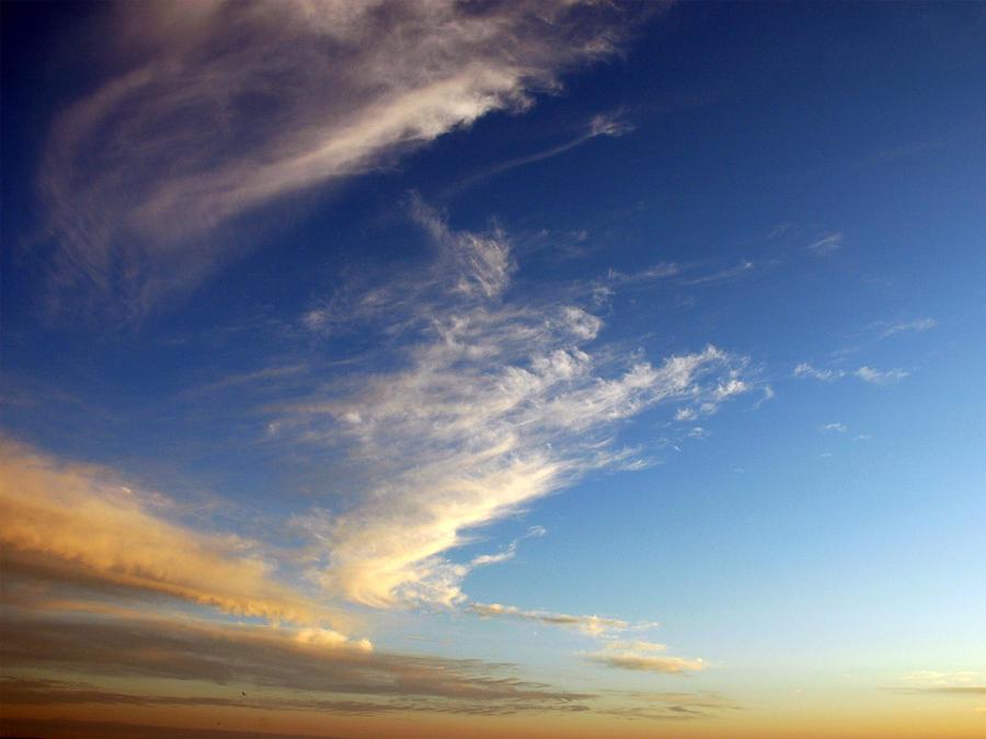 sky by LucieG-Stock