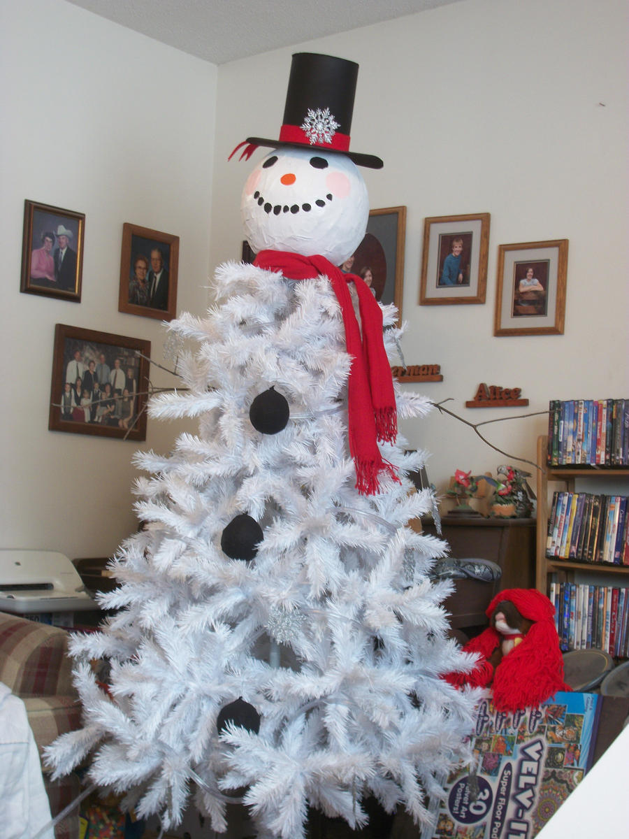 Snowman Christmas Tree by QueenAliceOfAwesome on DeviantArt