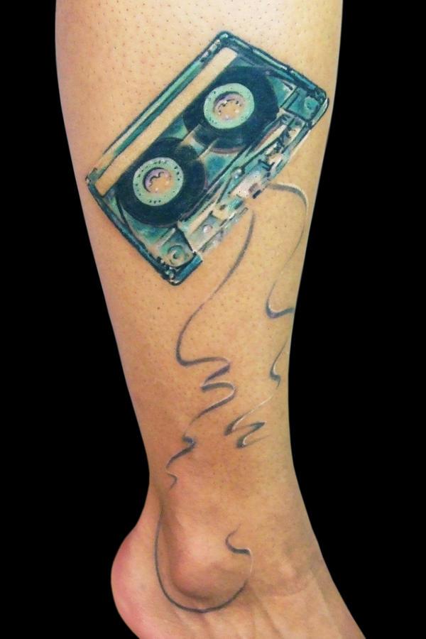 Cassette by maximolutztattoo