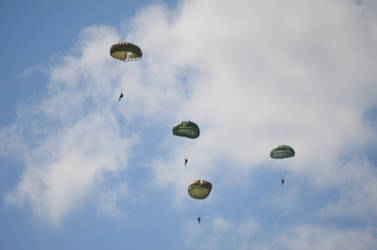 paratroopers