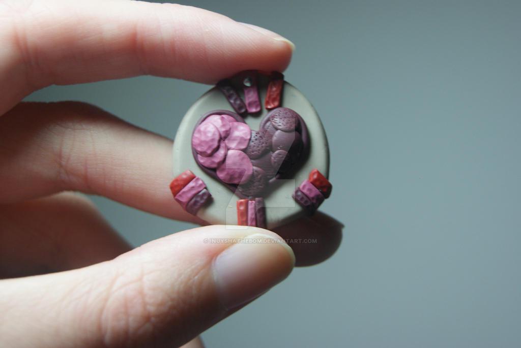 Heart Necklace by Inuyshathebom