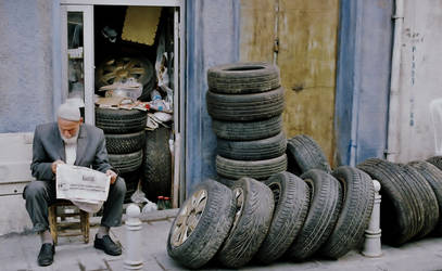 Tyred... by halilefe