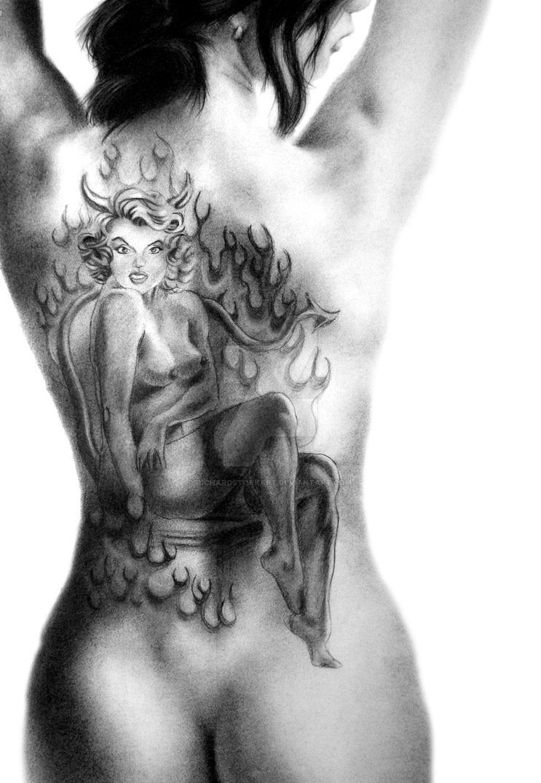 tattoo-nude-pin-up-pillow-nude