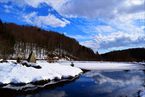 Winter Reflection by Coccineus