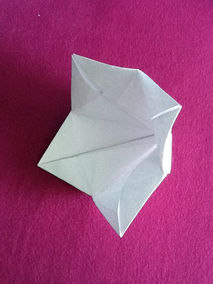 Origami bell flower by nightrideralice on deviantart origami bell flower by nightrideralice mightylinksfo