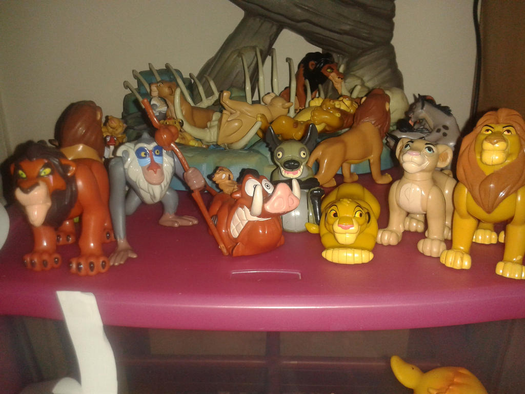 Lion King Full Set of Burger King toys by Daniellee14