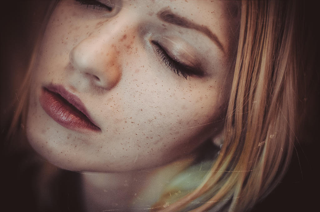 Freckles. by GabrielKato