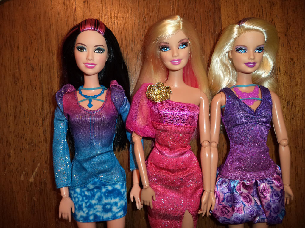 Play Barbie Fashionista play with colors barbie