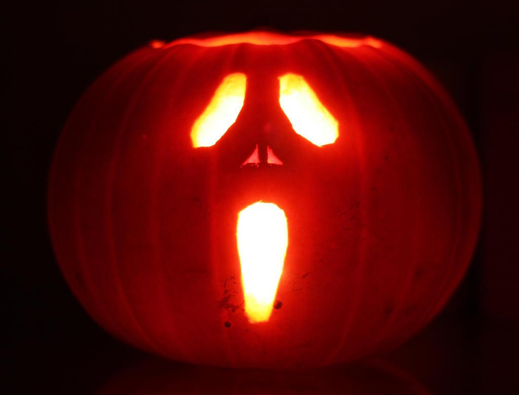 Scream pumpkin by mikedaws on deviantart for Scream pumpkin template