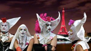 Les Soeurs de Paris by zuzugraphics