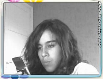 Always on my phone by Ooo-FlOrette-ooO
