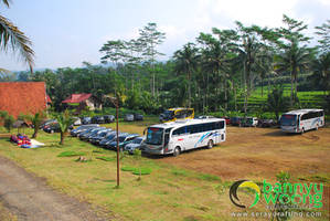 Parkir Luas (The PIKAS Artventure Resort) by SerayuRafting