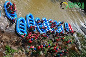 Siap Tempur (Rafting Sungai Serayu) by SerayuRafting