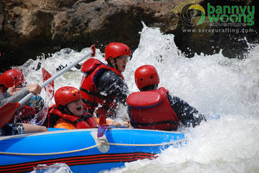 Ombak Unyu (Rafting Serayu) by SerayuRafting