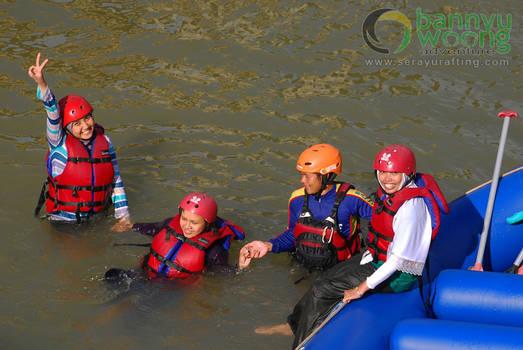 Belajar Berenang (Rafting Serayu)