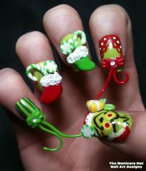 Grinch Movie Nails