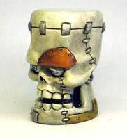 Frank Skull Shifter painted by Switchum