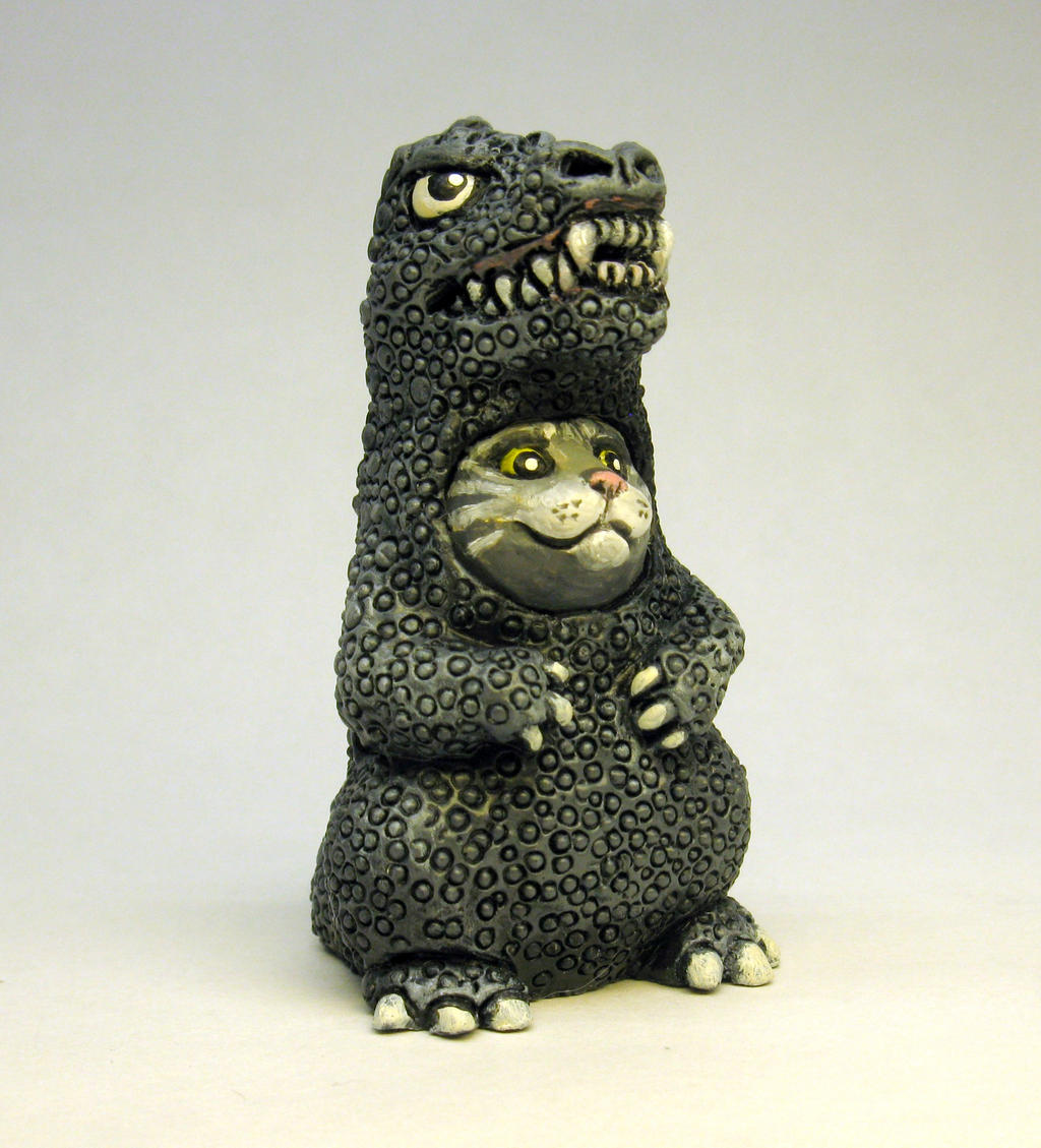 Kitten in da Kaiju suit by Switchum
