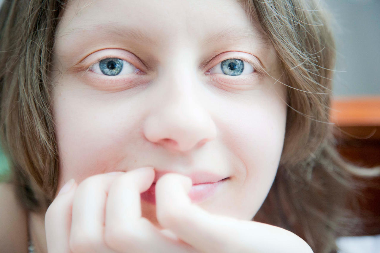 Deep blue gaze by luka567