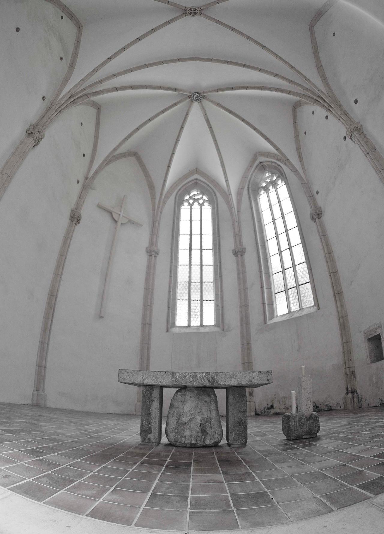 Gothic church interior II by luka567
