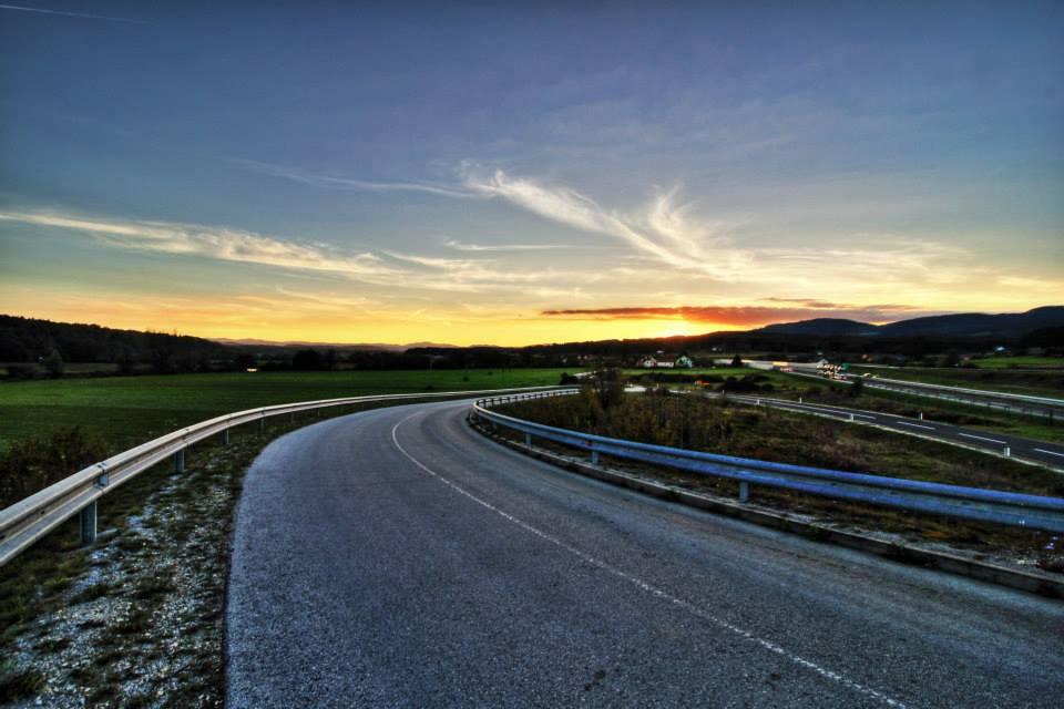 Sundown by luka567