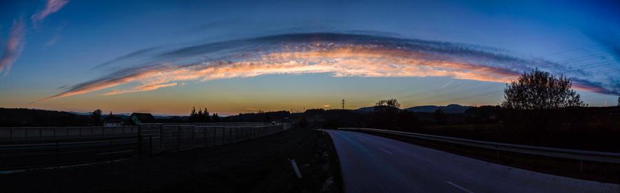 Evening sky - panorama by luka567