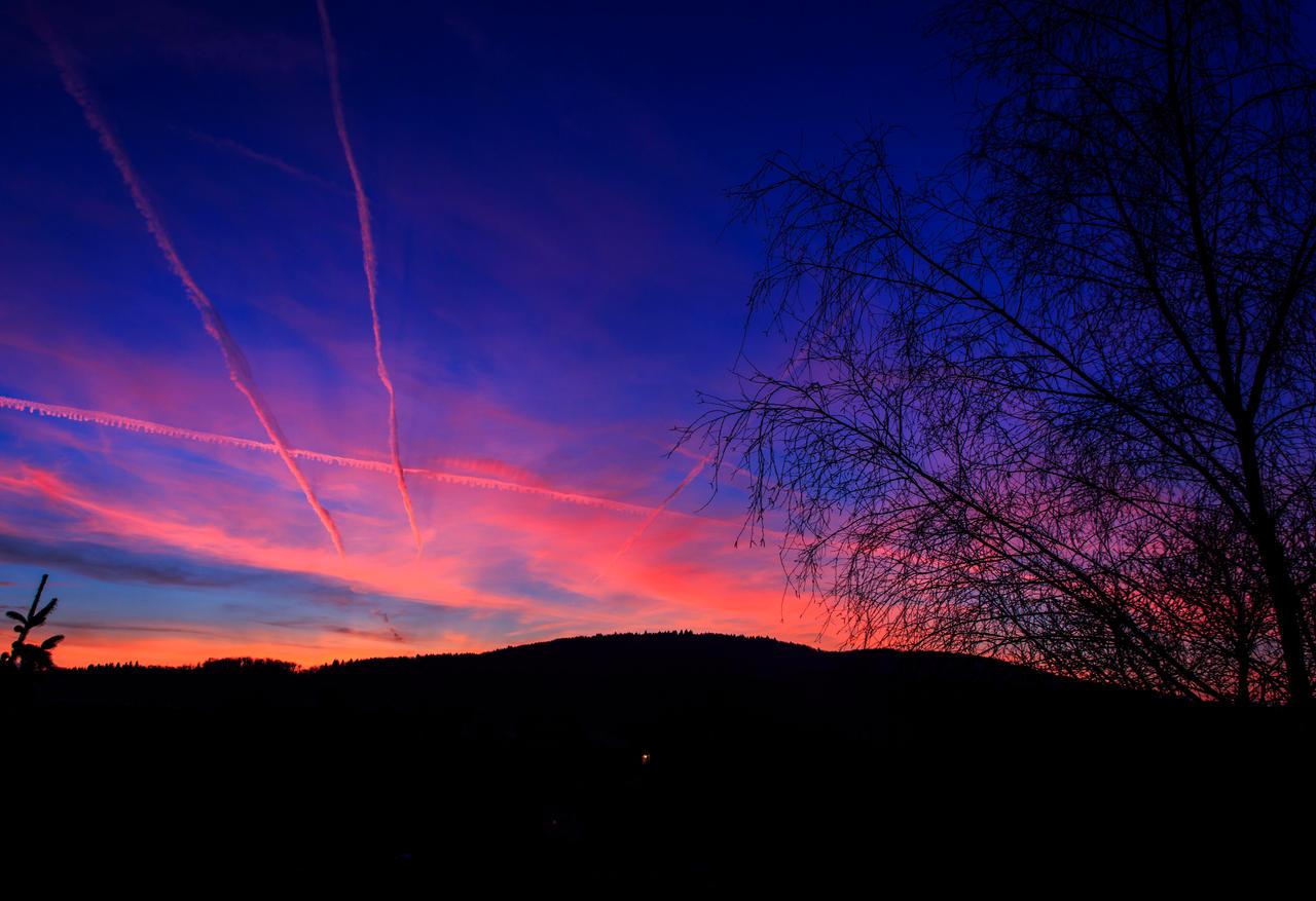 Today's wonderful sunset by luka567