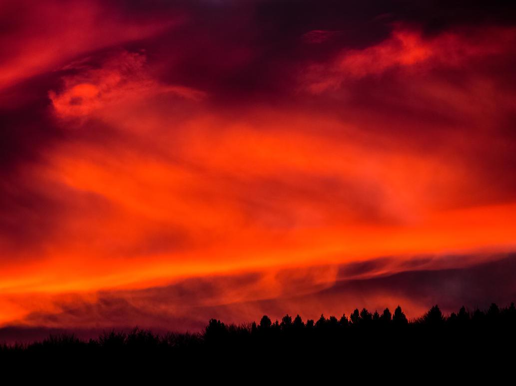 Sky on fire by luka567
