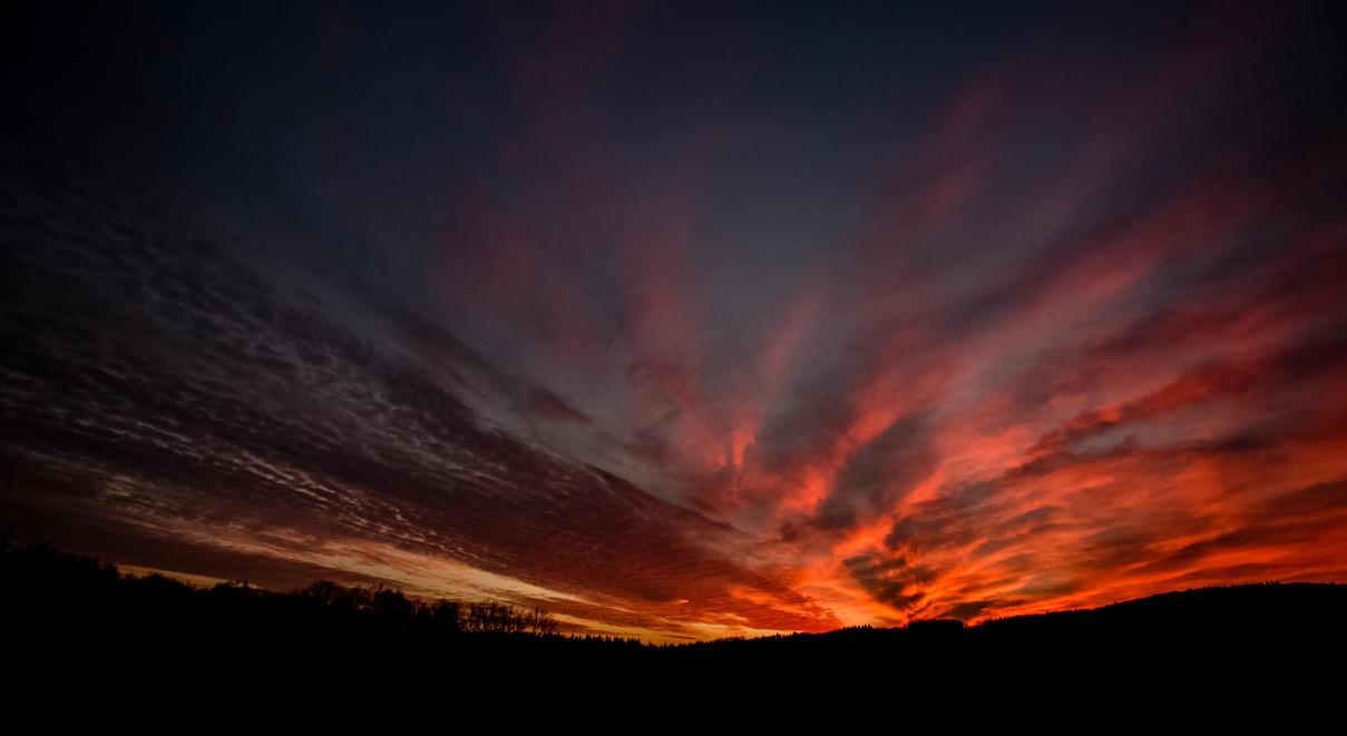 Winter sunset by luka567