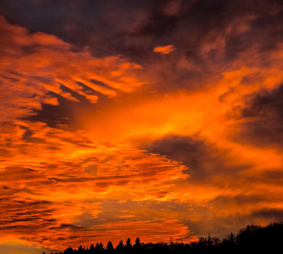 Amazing sky by luka567