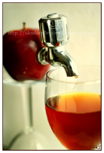 Fresh Apple Juice by ahmedwkhan
