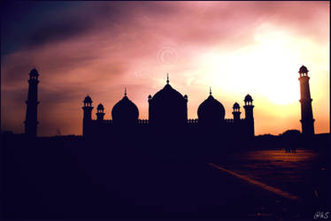 Badshahi Mosque by ahmedwkhan