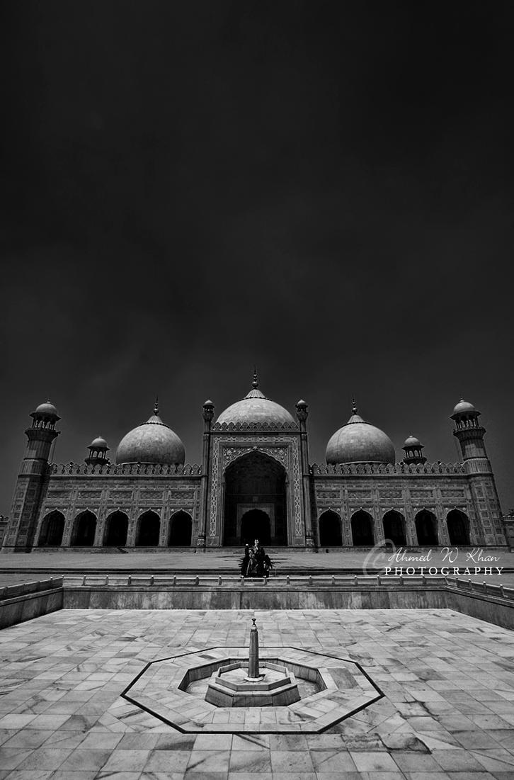 Badshahi Mosque - Lahore by ahmedwkhan