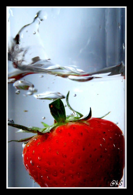 .Strawberry.Splash. by ahmedwkhan
